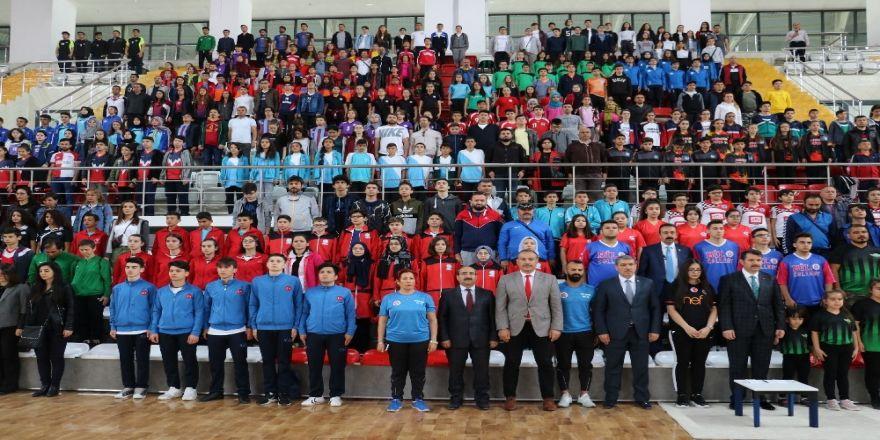 Okullararası Floor Curling Türkiye Şampiyonası Sivas'ta Başladı
