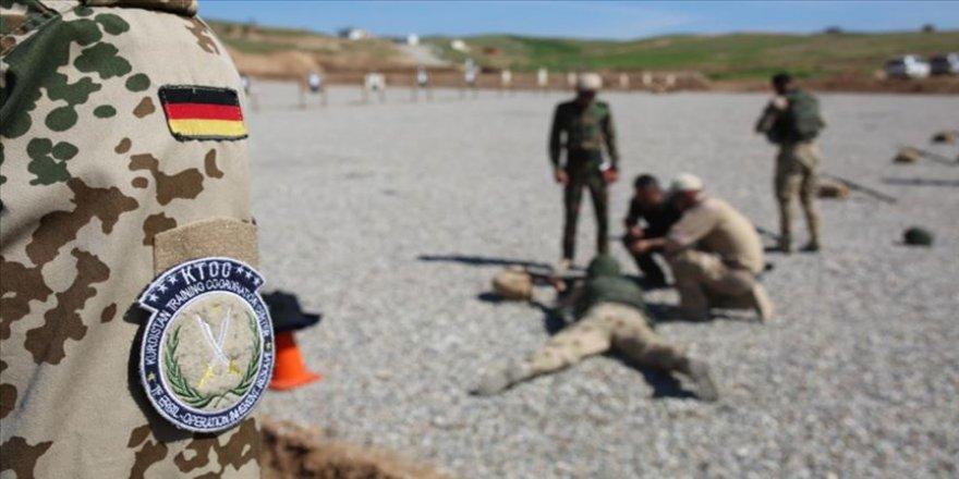 Almanya Irak'ta askerlere ve peşmergelere verdiği eğitim faaliyetini askıya aldı