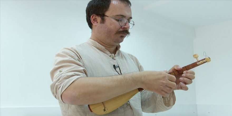 Anadolu türküleri Antalyalı müzik öğretmenine emanet