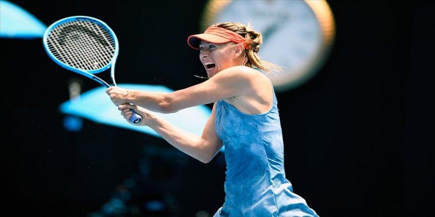 Sharapova, Fransa Açık'tan çekildi