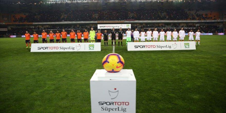 Galatasaray ile Medipol Başakşehir 22. randevuda