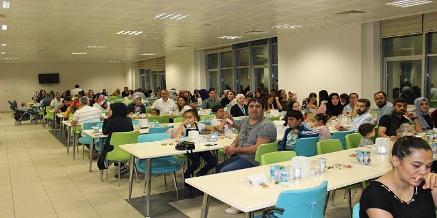 Fatih Devlet Hastanesi iftar yemeğinde buluştu