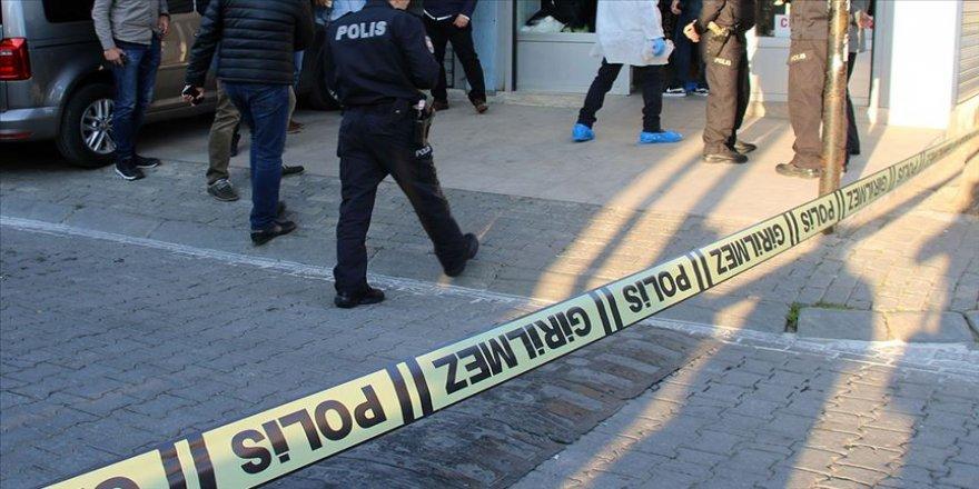 Fatih'te silahlı soyguncular 4 kilo altın gasbetti