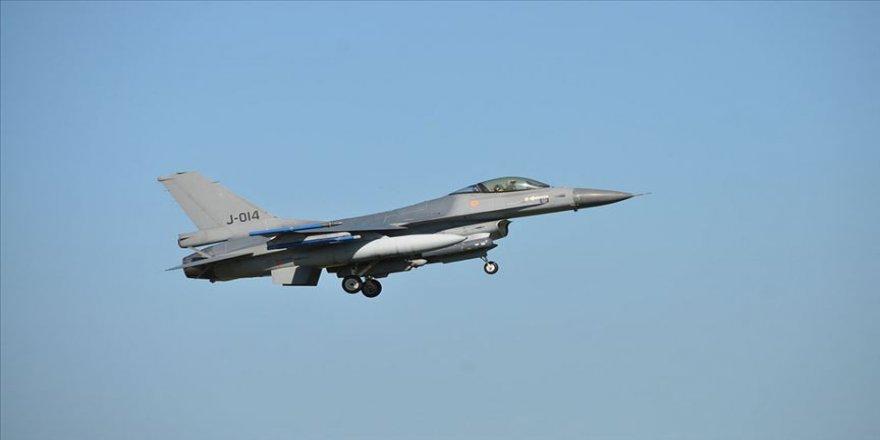 """Bulgaristan Savunma Bakanı Karakaçanov, """"ABD'nin F-16 savaş uçakları için bizden talep ettiği fiyat abartılı ve mantıksız."""" dedi."""