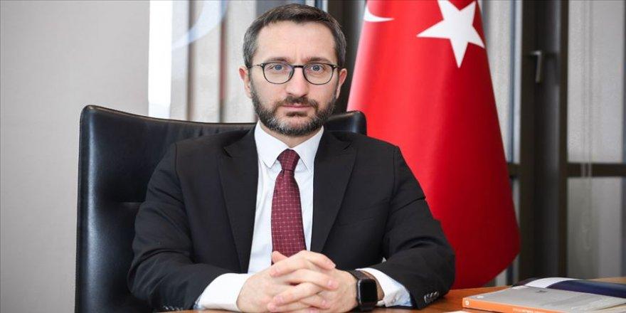 Altun, gazeteci yazar Akif Emre'yi andı