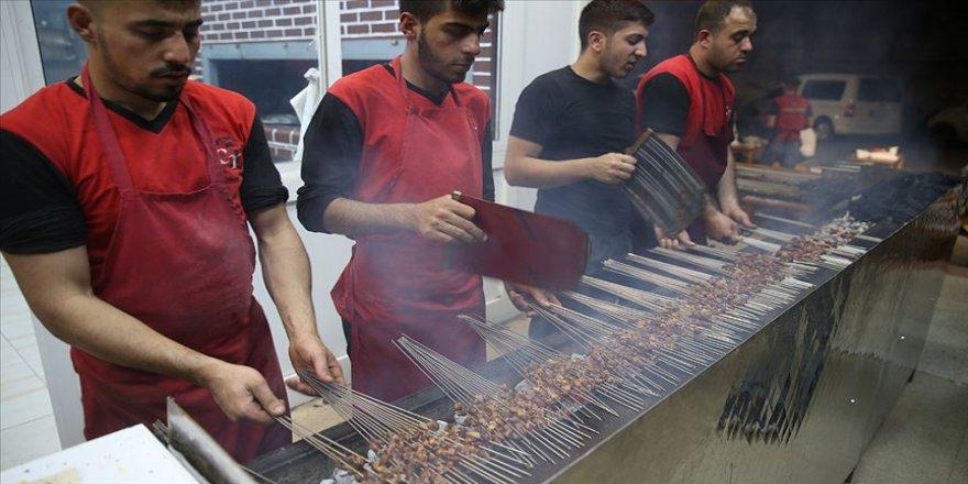 Şanlıurfa'da sahurun adı 'ciğer kebabı'