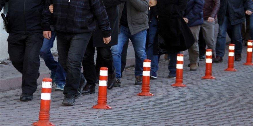 27 asker hakkında FETÖ'den gözaltı kararı