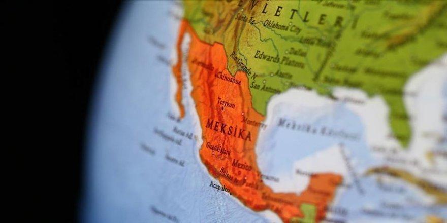 Meksika'da otobüs kazası: 21 ölü