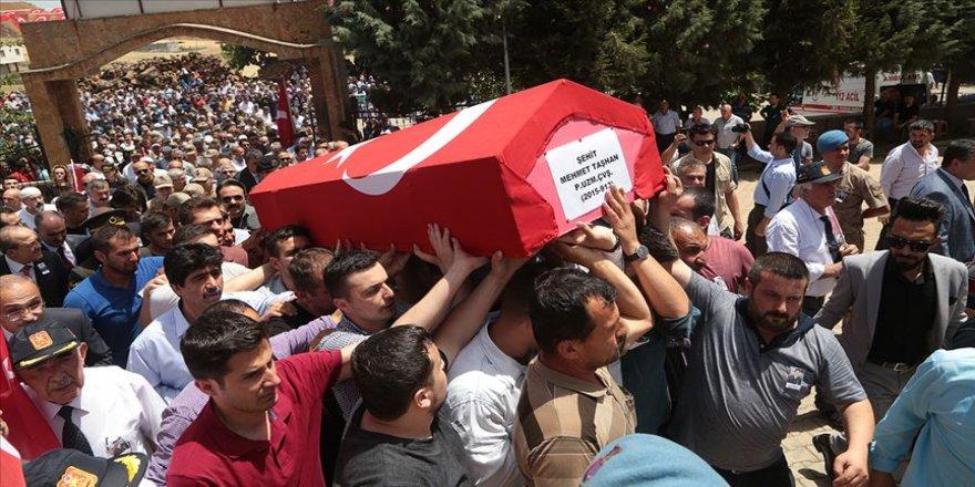 Şehit Uzman Çavuş Mehmet Taşhan son yolculuğuna uğurlandı