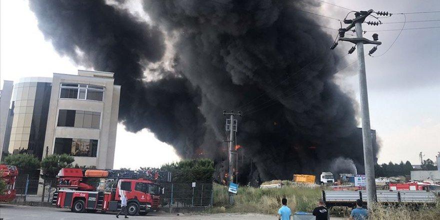 Çayırova'da depo ve fabrika yangını: 4 ölü, 5 yaralı