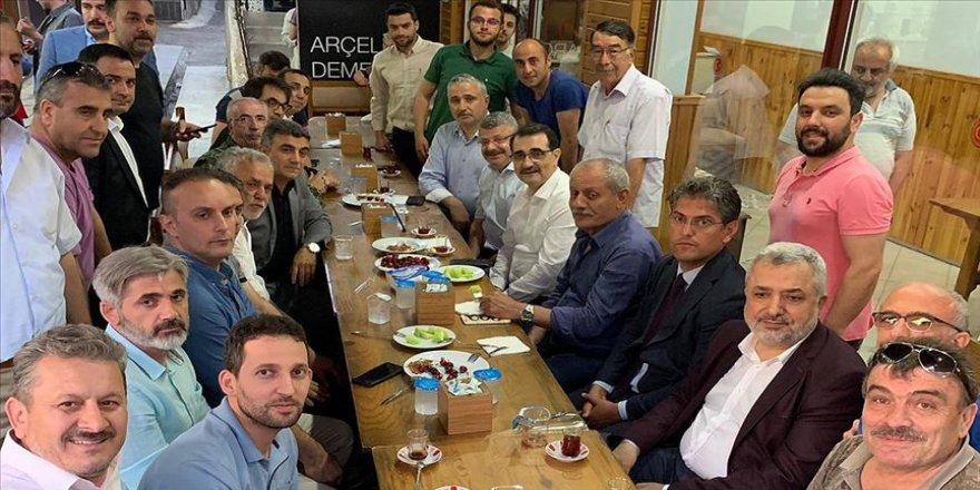 Bakan Dönmez İstanbul'da Bileciklilerle buluştu