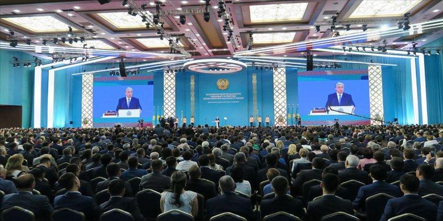 Kazakistan'da cumhurbaşkanlığı seçimini kazanan Tokayev yemin etti