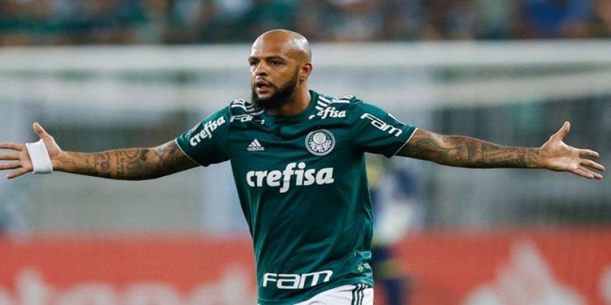 Felipe Melo sözleşmesini uzattı