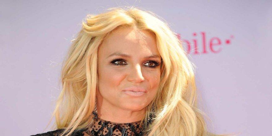 Britney Spears: Paparazziler beni şişmanlatıyor