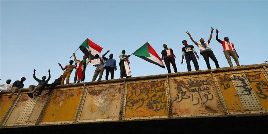 Sudan'da asker ve muhalefet müzakerelere yeniden başlayacak