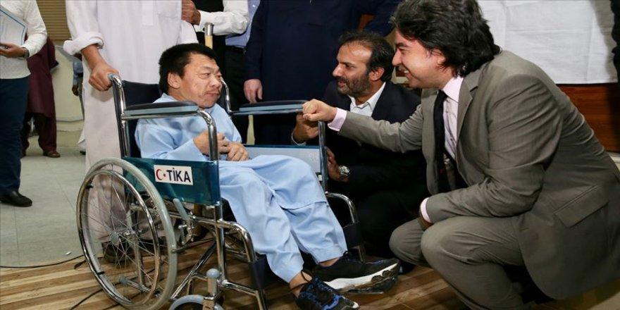 TİKA'dan Pakistanlı ihtiyaç sahiplerine 200 tekerlekli sandalye