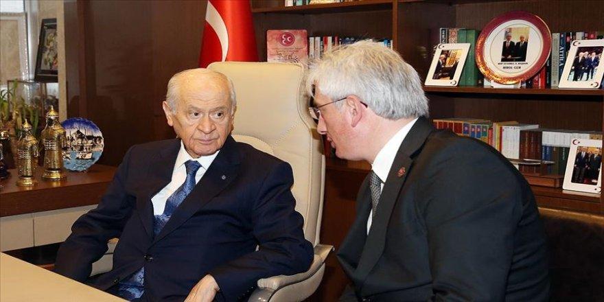 Bahçeli MHP İl Başkanlığını ziyaret etti