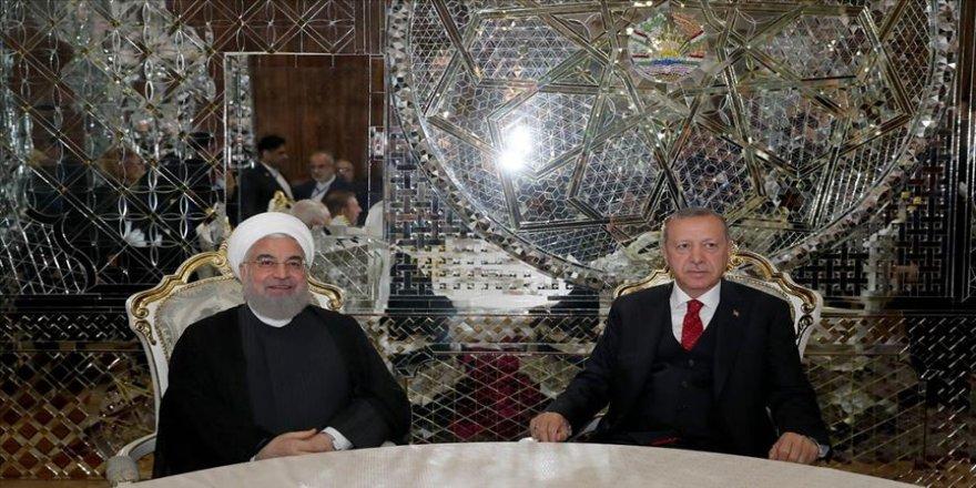 Cumhurbaşkanı Erdoğan Tacikistan'da ikili temaslarda bulundu