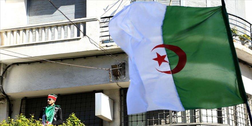 Cezayir cumhurbaşkanlığı seçiminin iptalinden sonra belirsizliğe ilerliyor