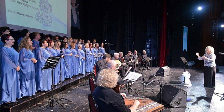 Kadınlar korosundan müzik ziyafeti