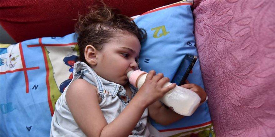 Minik Nazlı'nın 'kolostomi torbalı' yaşam mücadelesi