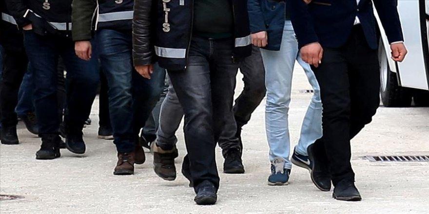 FETÖ'nün hücre evlerine operasyon: 33 gözaltı