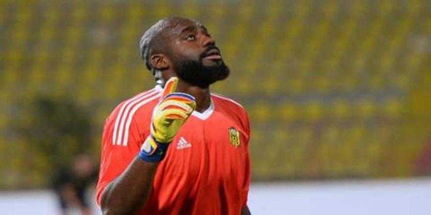 Evkur Yeni Malatyaspor kaleci Farnolle ile yeniden anlaştı