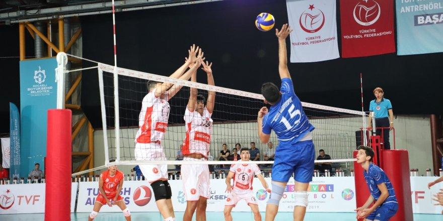 Yıldız Erkekler Voleybol'dafinale kalanlar belli oldu