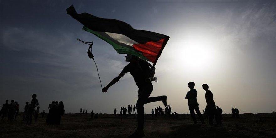 Filistin yönetimine bağlı Kudüs İşleri Bakanı Hedmi: Filistinliler dilenci değildir