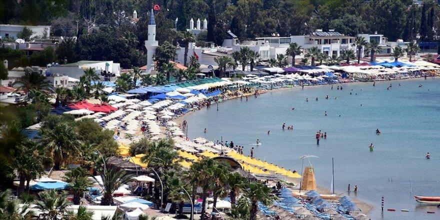 Turizm merkezlerindeki plajlarda yoğunluk yaşanıyor