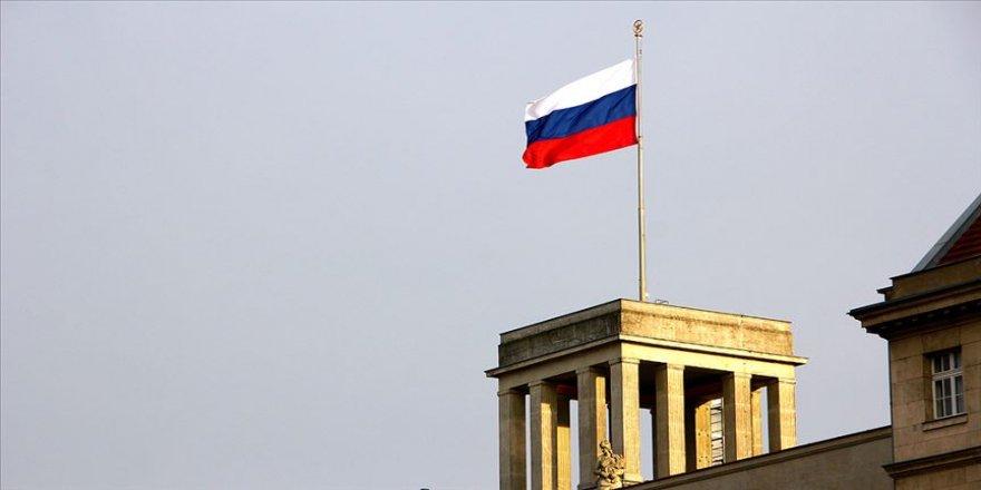 Rusya INF anlaşmasını askıya aldı
