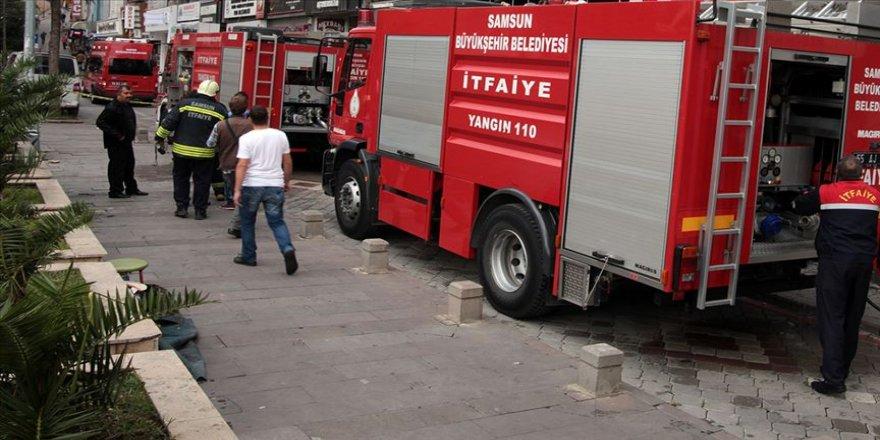 Samsun'da çarşı merkezinde yangın