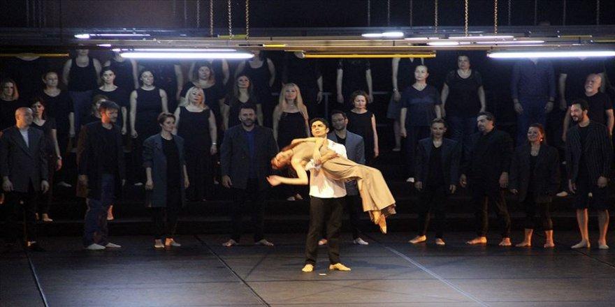 'Yunus Emre Oratoryosu' Zorlu PSM'de sahnelendi