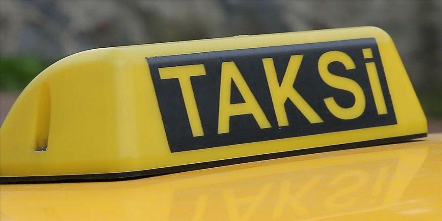 Müşterisine tecavüz eden taksiciye hapis