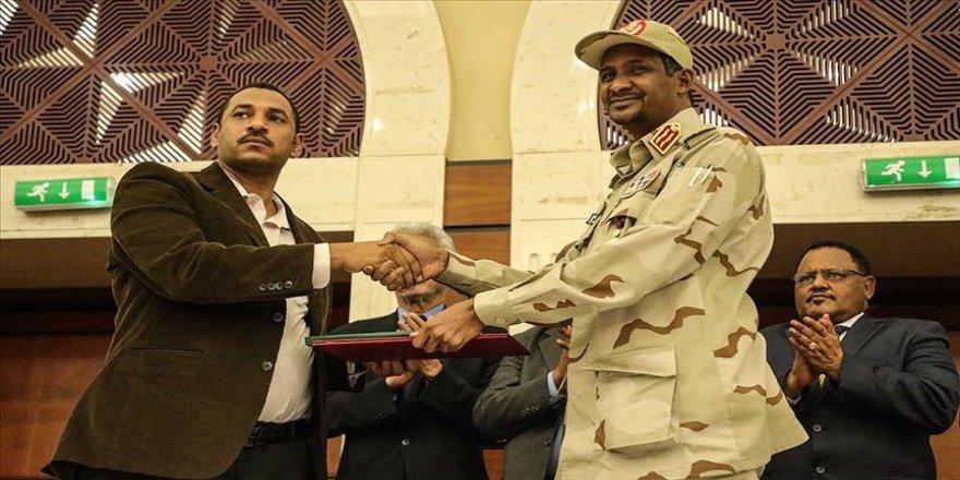 Sudan'da siyasi krizi bitirecek ilk adım atıldı