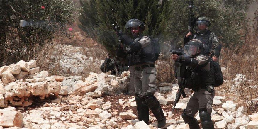 İsrail askerleri Gazze sınırında 97 kişiyi yaraladı