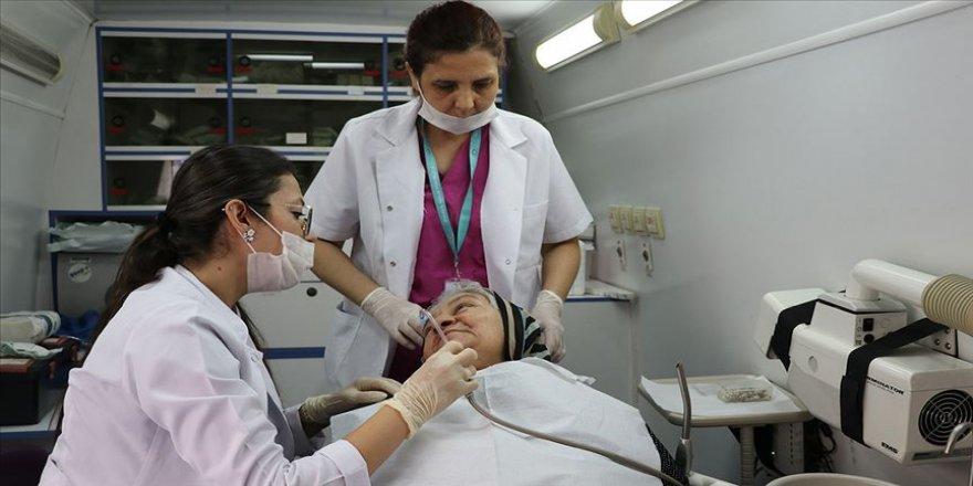 Diş kliniğini hastaların ayağına götürüyorlar