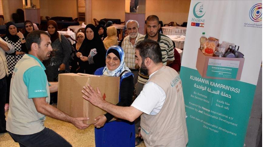 Almanya'daki Türklerden Lübnan'a gıda yardımı
