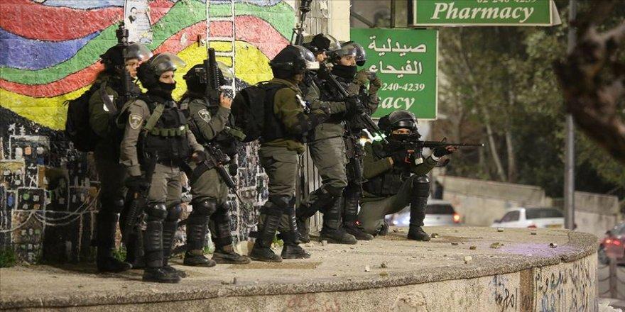 İsrail güçleri, 19 Filistinliyi gözaltına aldı