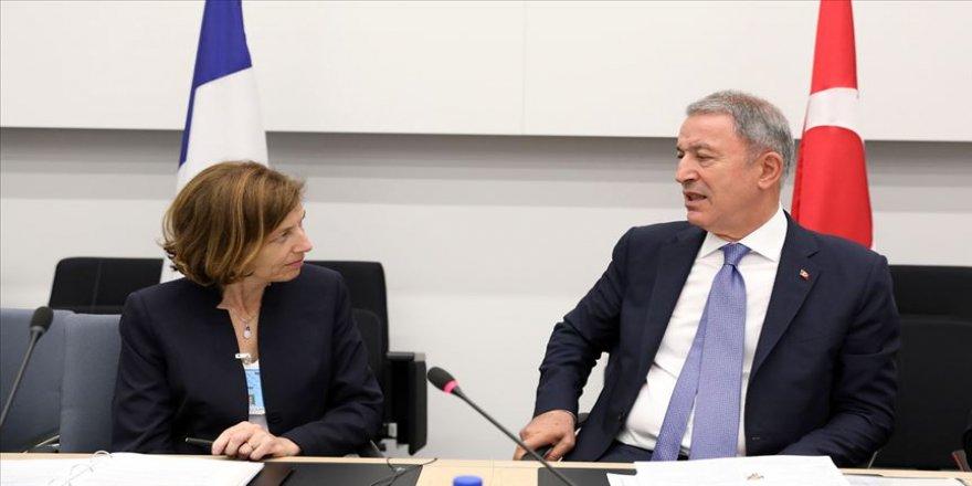 Milli Savunma Bakanı Akar, Fransız mevkidaşı ile görüştü