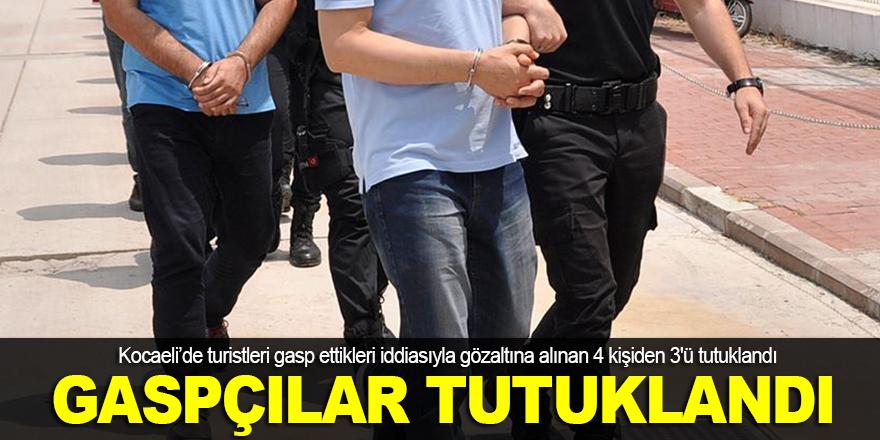 Turistleri gasp eden 3 kişi tutuklandı