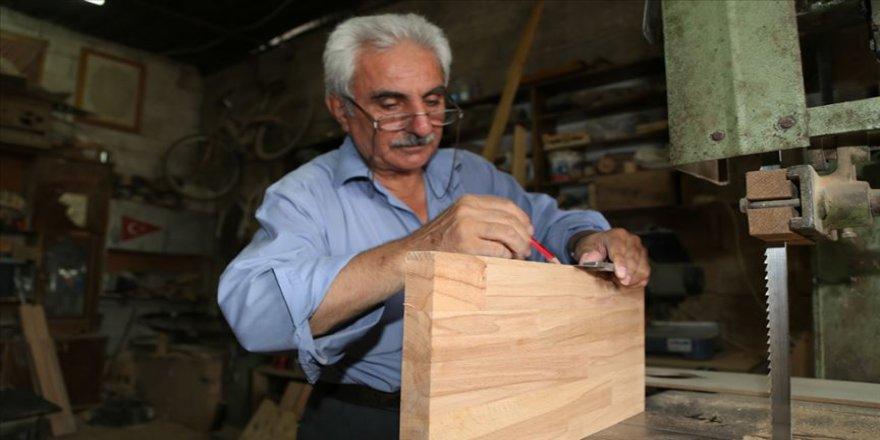Ata yadigarı mesleğini Osmanlı'dan günümüze sürdürüyor