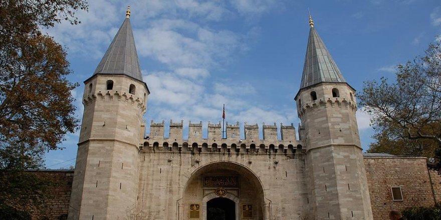 Topkapı Sarayı Dış Karakol Binası önüne düzenleme