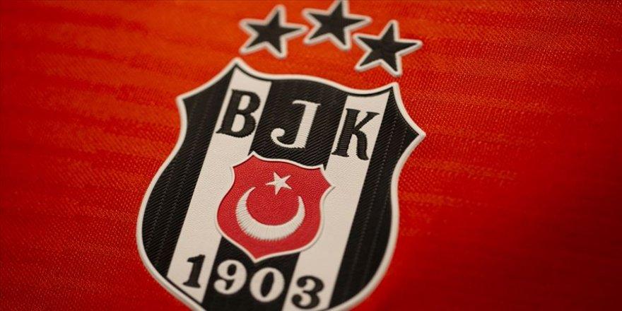 Beşiktaş Hasic'i kampta deneyecek