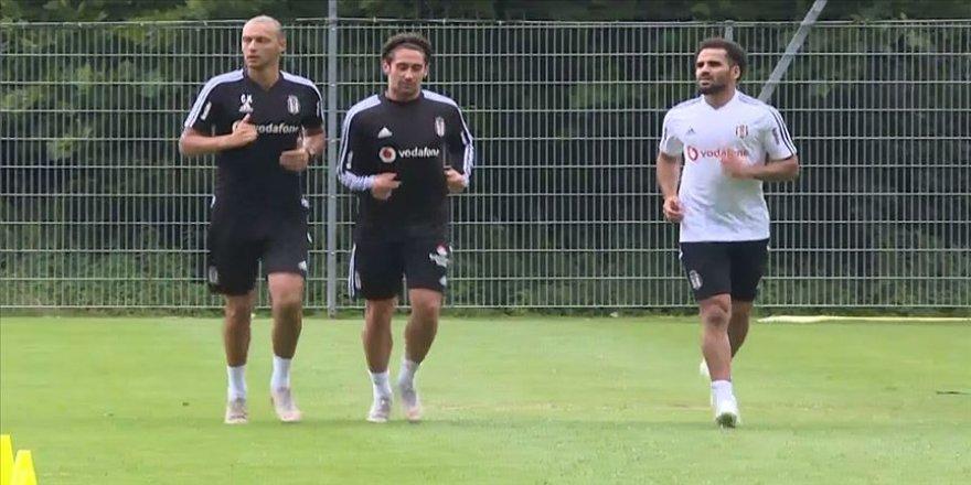 Beşiktaş'ta Douglas ilk antrenmanına çıktı