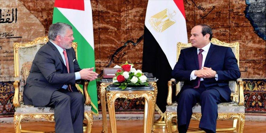 Sisi ve Kral Abdullah ekonomik iş birliğini görüştü