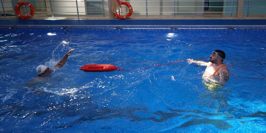 Suda boğulmalara karşı uygulamalı eğitim