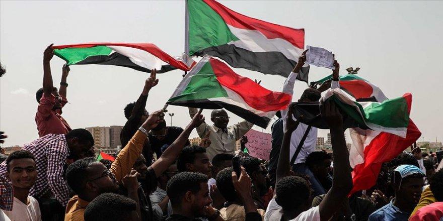 AB'den 'Sudan'da acil sivil yönetime geçilmeli' çağrısı