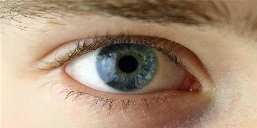 İleri aşama göz kuruluğuna karşı hastanın kanından serum