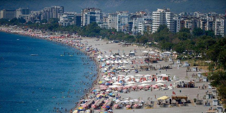 Turizm merkezlerinde bayram tatili yoğunluğu